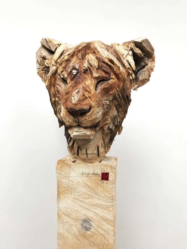 Jeune Lion Au Repos - 29.07.16 - 170 x 52 x 50 cm