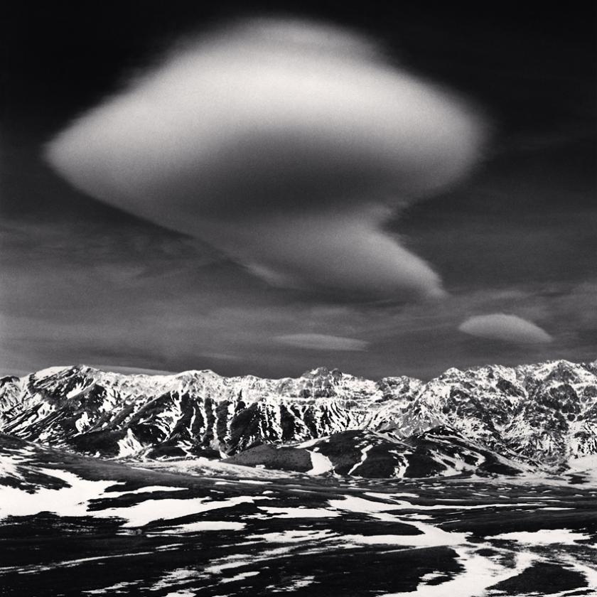 Curious-Cloud,-Campo-Imperatore,-Abruzzo,-Italy.-2016
