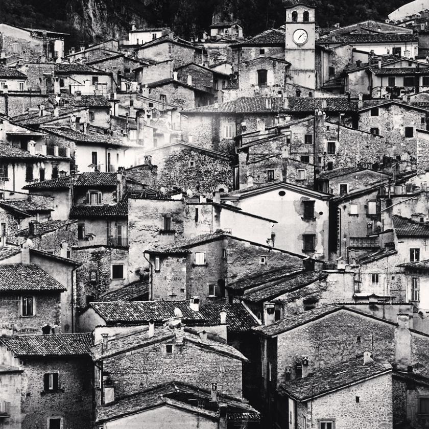 Homage-to-Giacomelli,-Scanno,-Abruzzo,-Italy.-2016