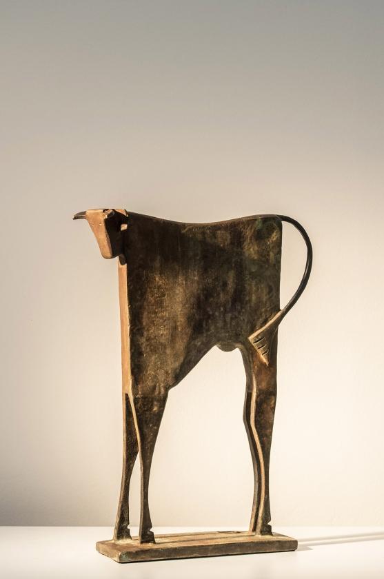 Toro Therio, Side - Carlos Mata - Leonhard's Gallery