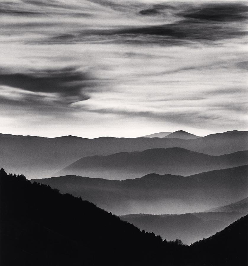 Distant Mountains, Passo delle Capannelle, Pizzoli, Abruzzo 2015 - Leonhard's Gallery