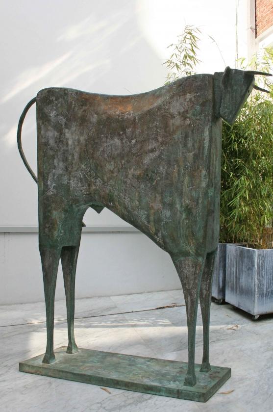 Carlos Mata - Toro Taurides---183-x-180-x-31,5-cm