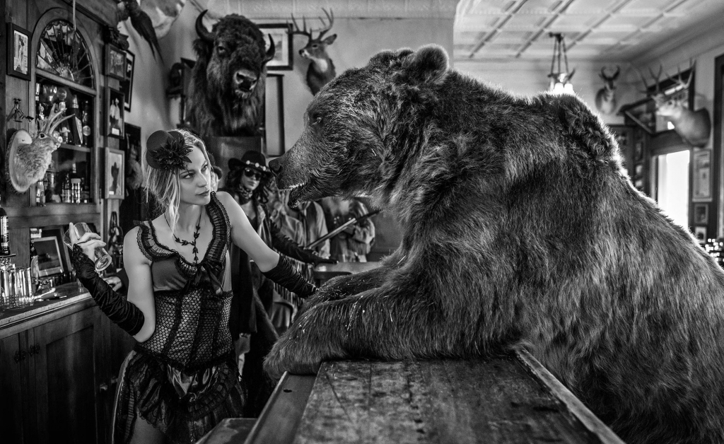 Last Orders - David Yarrow - Leonhard's Gallery