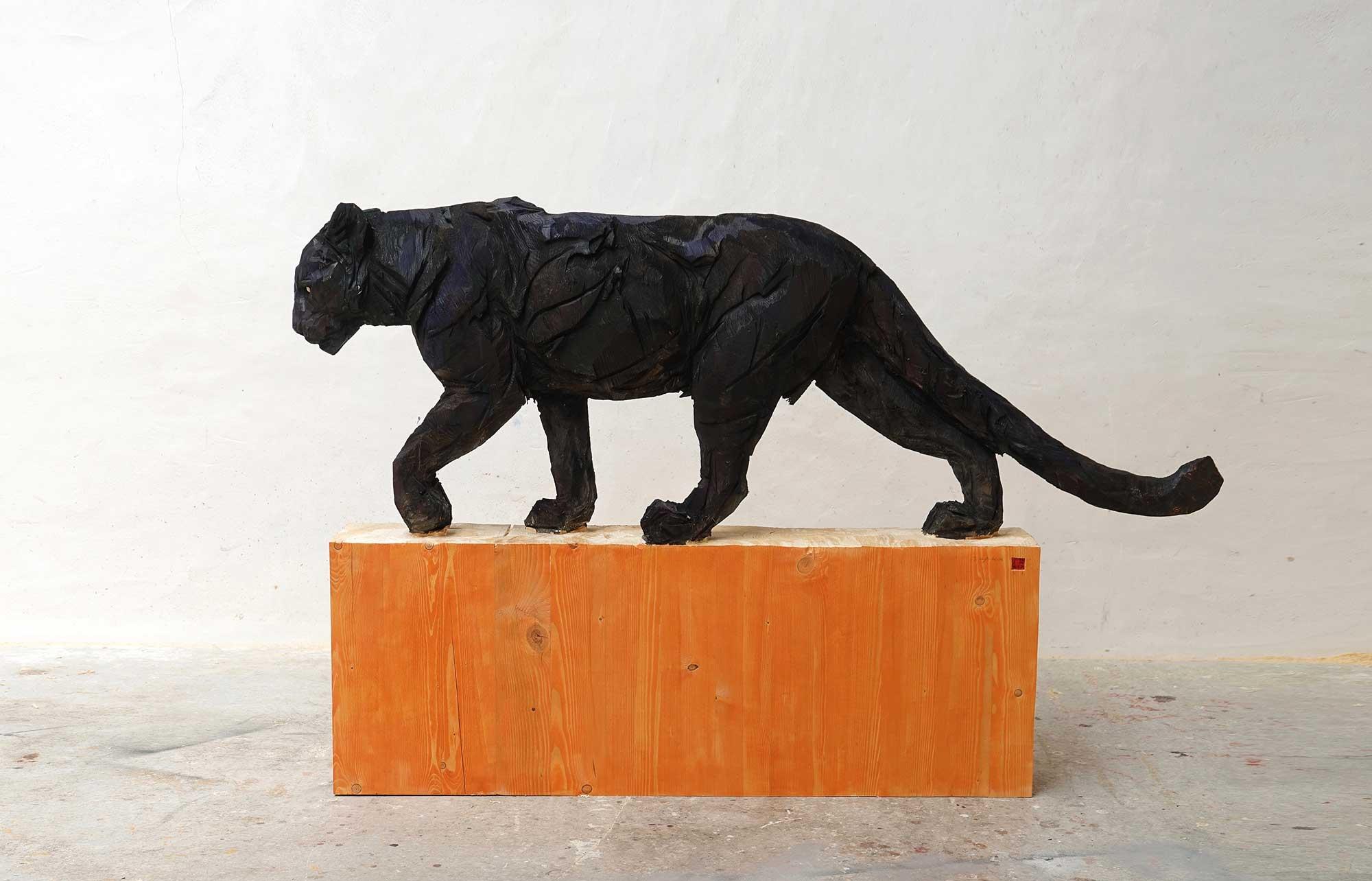 Black Walking Panther - Jürgen Lingl-Rebetez - Leonhard's Gallery