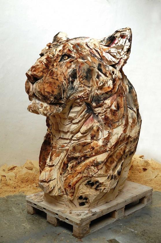 Lioness Of Hope - Jürgen Lingl-Rebetez - Leonhard's Gallery