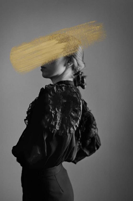 Andrea Torres - Camelia - Leonhard's Gallery