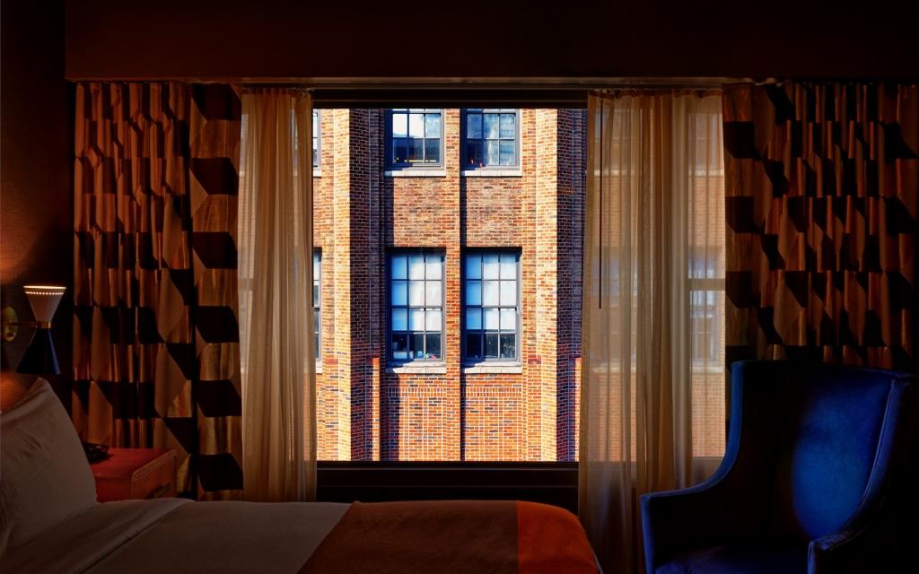 WINDOWS 2.0 - A Room with a View -75x120 cm - 100x160 cm - 125x200 cm- 2019 - Luc Dratwa - Leonhard's Gallery