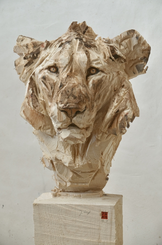 Buste Of A Young Lion - Jürgen Lingl - Leonhard's Gallery