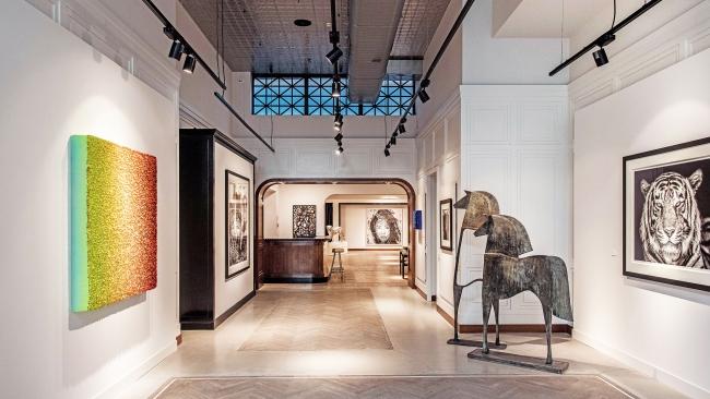Gallery Setup Schuttershofstraat Antwerpen - Leonhard's Gallery
