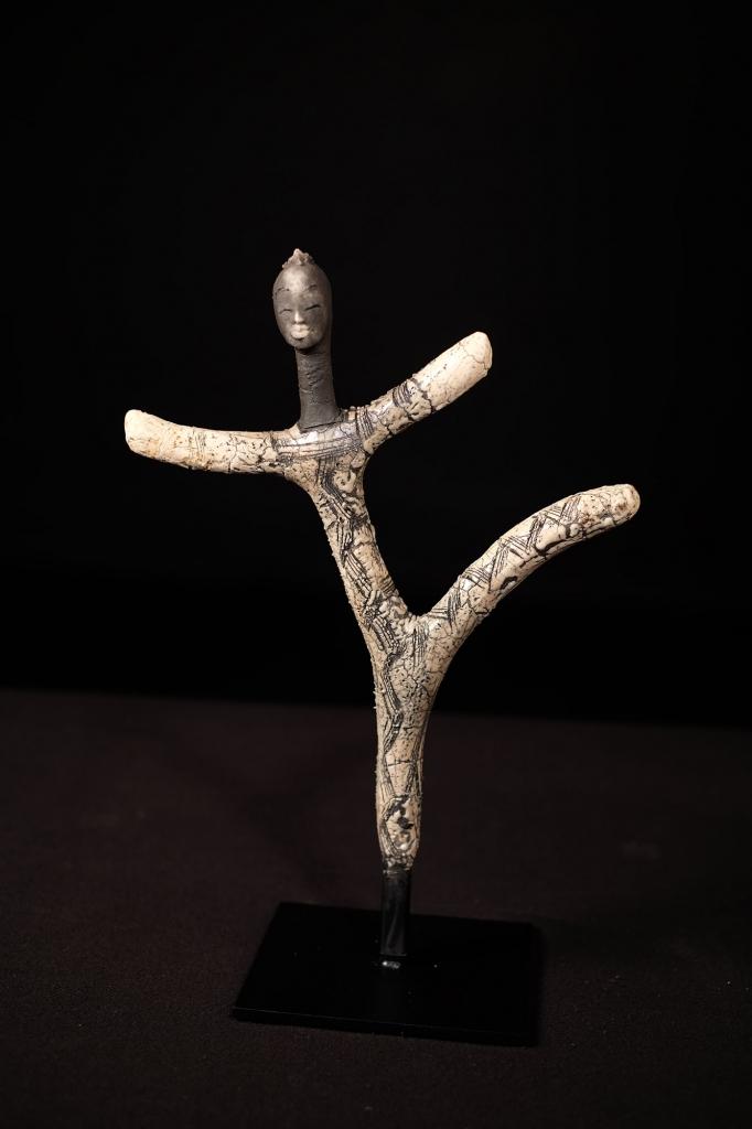 Dogon Dance - Etiyé Dimma Poulsen - Leonhard's Gallery